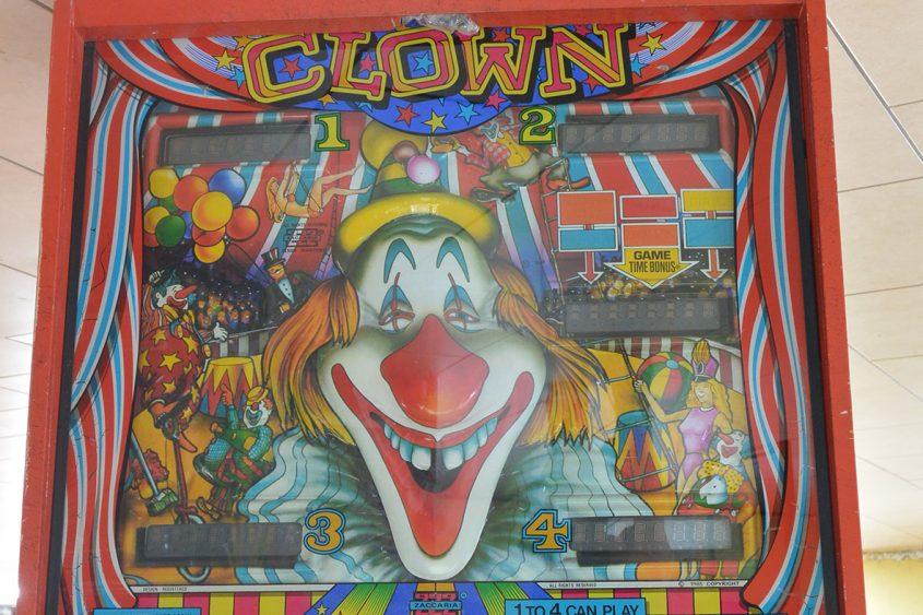 clown-backglass